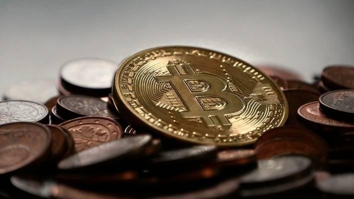 Мнение: Перед тем как начать рост биткоин опустится до $5 000