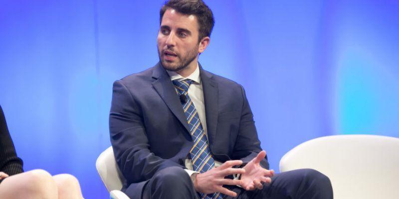 Энтони Помплиано увеличивает ставки и прогнозирует рост биткоина до $275 000