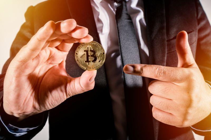 Известные американские ритейлеры будут принимать криптовалюту