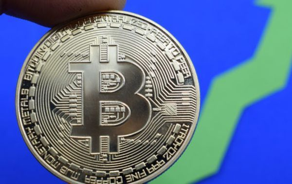 Курс биткоина: Рекордный рост на 10% это начало новой эры криптовалюты