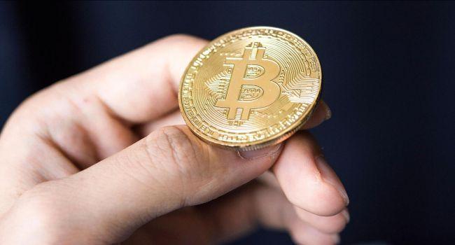 Мнение: «Киты» не допустят падения курса биткоина ниже $9000
