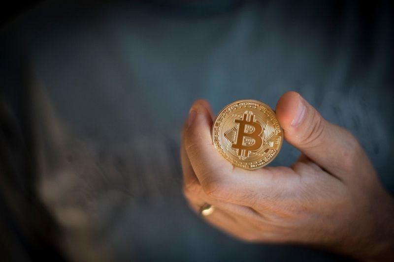 Почему большим корпорациям нужен биткоин?