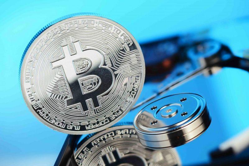 Исследование: Розничные инвесторы закупают биткоин на фоне снижения цены