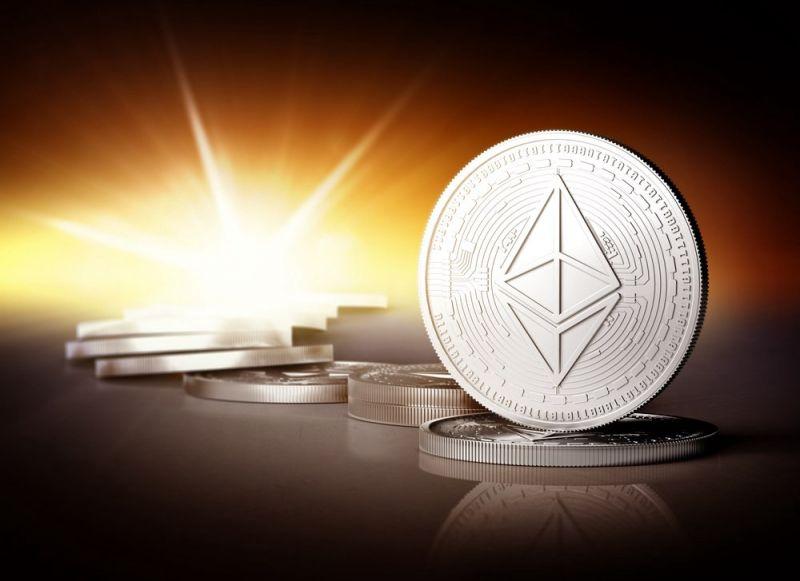 Число кошельков Ethereum выросло до 100 млн. Аналитик прогнозирует рост цены на 200%
