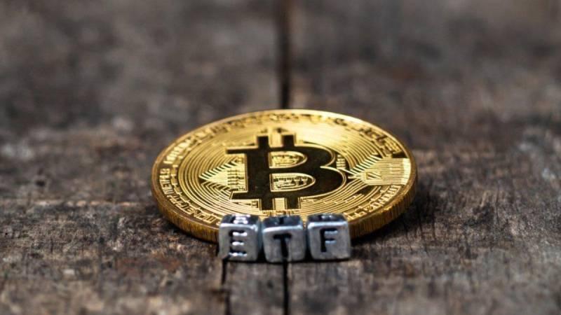 Бывший глава CFTC выступил за одобрение биткоин-ETF