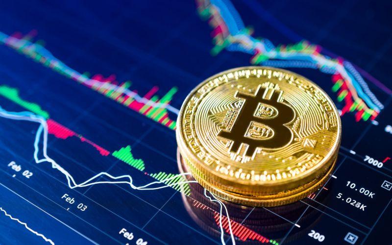 Фондовый рынок готовится обновить минимумы. Что будет с ценой биткоина?