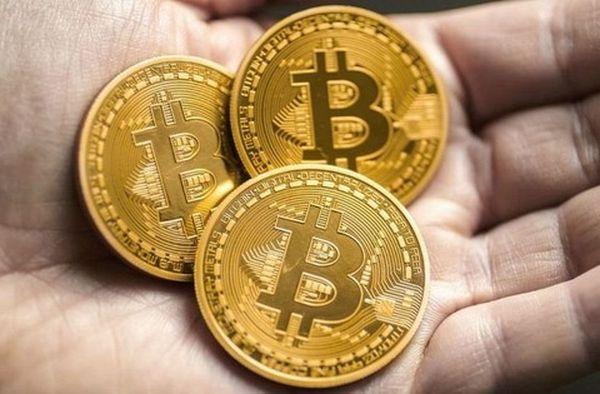 Биткоин идет против рынка криптовалют