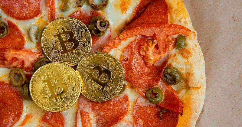 Доставщик пиццы рассказал о чаевых в биткоине, которые он хранил более семи лет