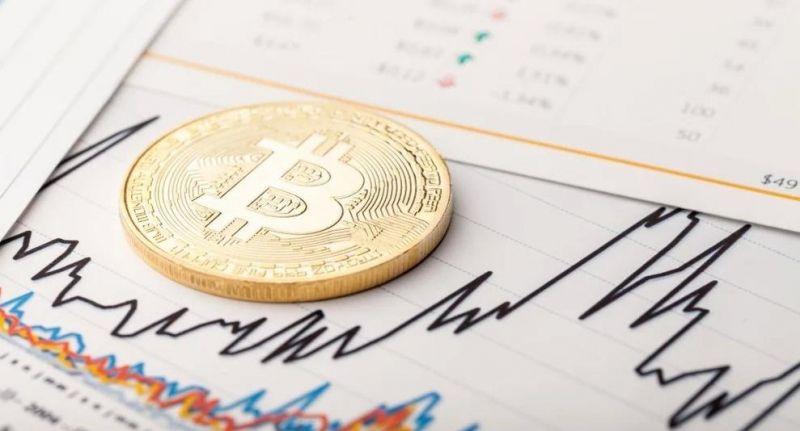 Цена биткоина поднялась выше $51 000
