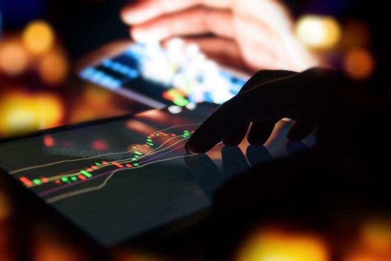 На криптобиржах начались проблемы из-за падения цены биткоина