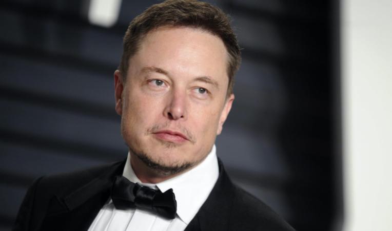 Илон Маск: SpaceX держит биткоин