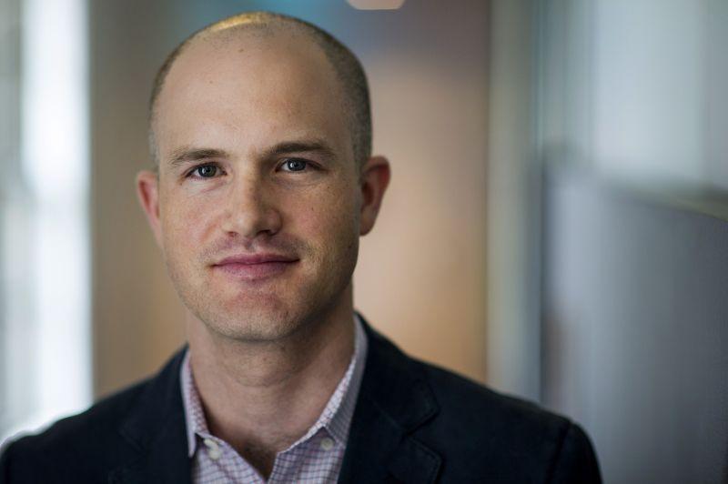 CEO Coinbase прокомментировал нападки создателя DOGE на криптосферу