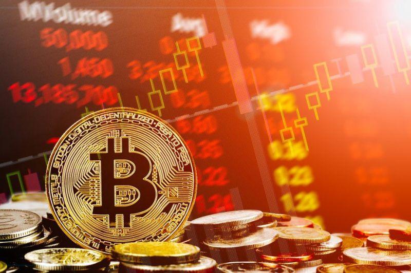 Цена биткоина начала снижаться после остановки торгов Evergrande