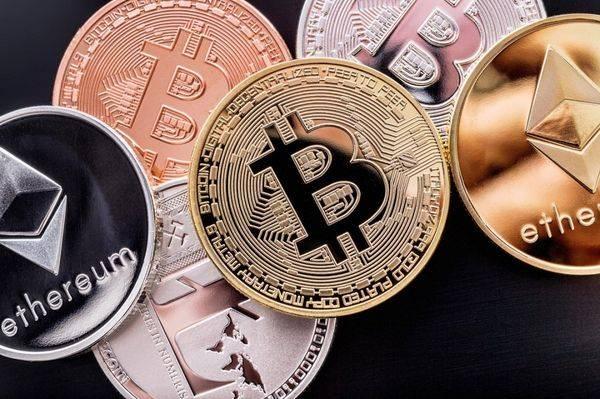 Курсы криптовалют поддерживает позитив из США