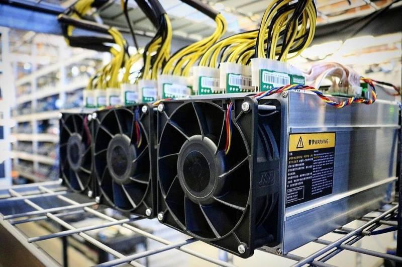 Главы FTX и MicroStrategy встали на защиту биткоин-майнинга